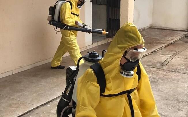 Agentes da Vigilância Ambiental fazem desinfecção do CDP%2C no Complexo da Papuda