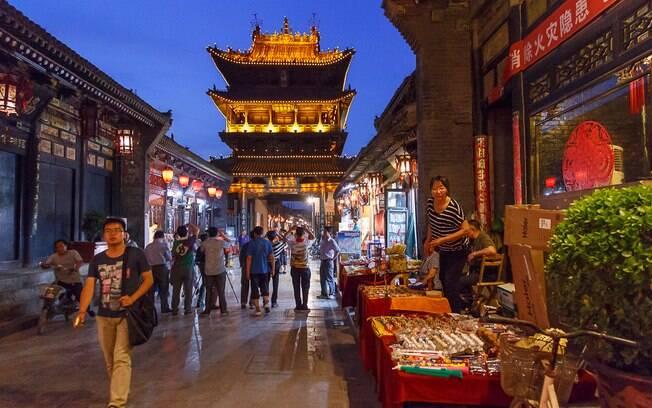 A cidade de Pingyao é um exemplar único da arquitetura medieval chinesa e uma ótima opção de o que fazer na China