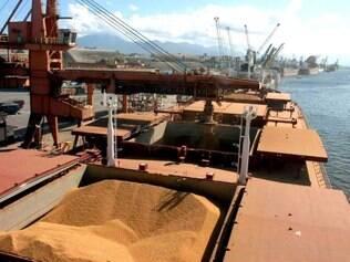 O complexo soja continua sendo o principal produto negociado no país, com vendas totalizadas em US$ 15,58 bilhões