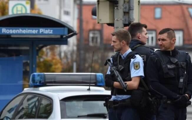 Chefe de polícia de Munique disse em uma coletiva de imprensa que oito pessoas foram feridas