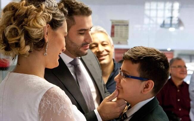 Andressa Urach se casa com Tiago Costa, pai de seu filho