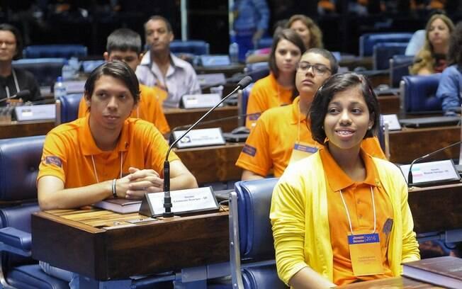 Objetivo do Jovem Senador é estimular os estudantes a refletirem sobre política, democracia e exercício da cidadania