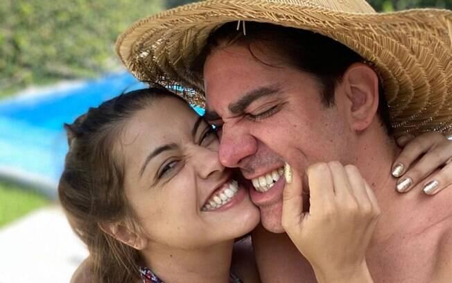 Marcelo Adnet e Patrícia Cardoso estão esperando uma filha