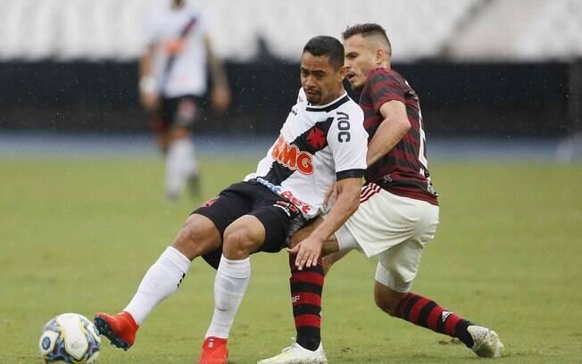 Vasco e Flamengo amargam prejuízo em final com público pequeno no Engenhão
