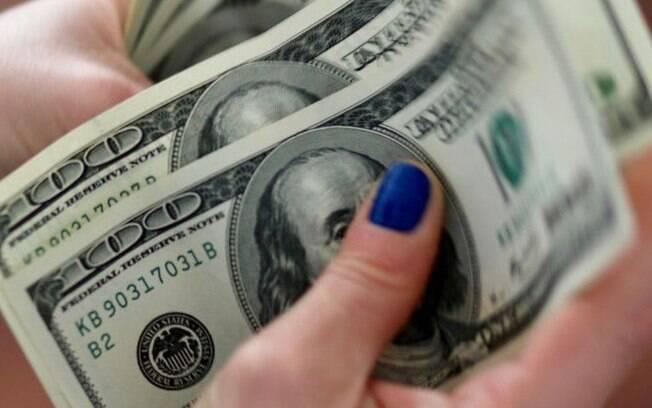Banco Central registra recorde de remessas de dólares para Brasil