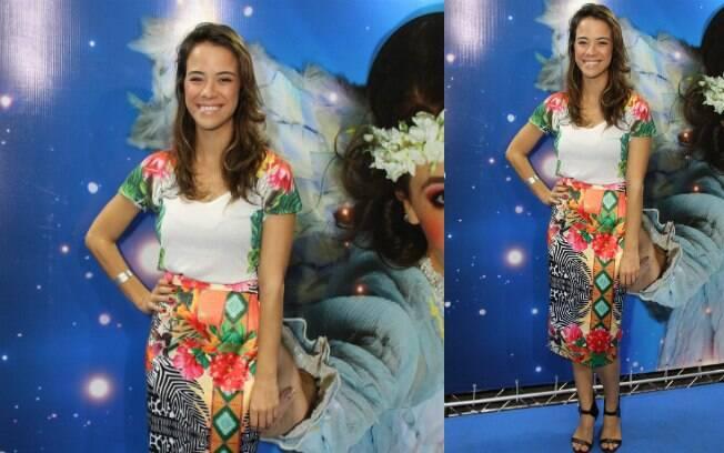 A roupa de Miá Mello é bacana, bem verão, mas o comprimento da saia não favoreceu a estatura da apresentadora e atriz