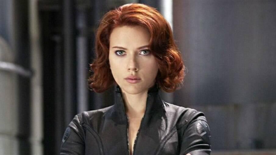 Scarlett caracterizada como Viúva Negra em Vingadores