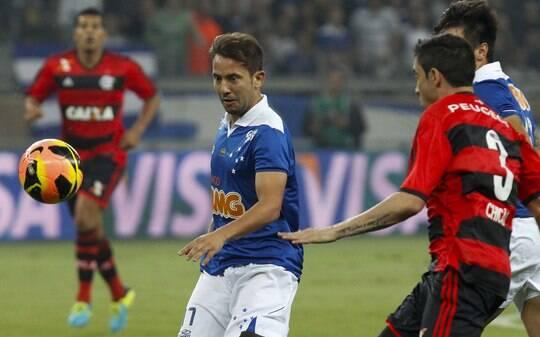 Everton Ribeiro destaca estratégia do Cruzeiro para sufocar a Portuguesa - Futebol - iG