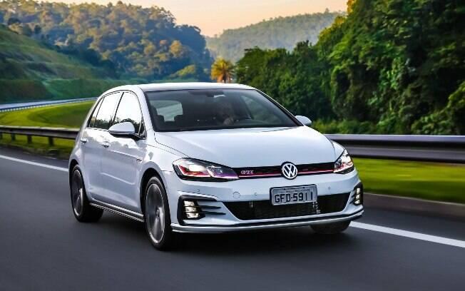 Volkswagen Golf chega com novo visual, além de novos equipamentos e 230 cv na versão esportiva GTI