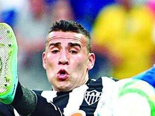 Otamendi foi o único reforço que se firmou no time atleticano
