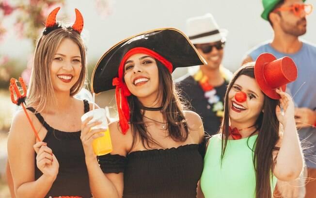 É possível curtir o carnaval sem enfiar o pé na jaca e se divertir com muita energia, basta tomar alguns cuidados