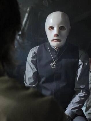Sacerdote mascarado é líder de seita maligna em