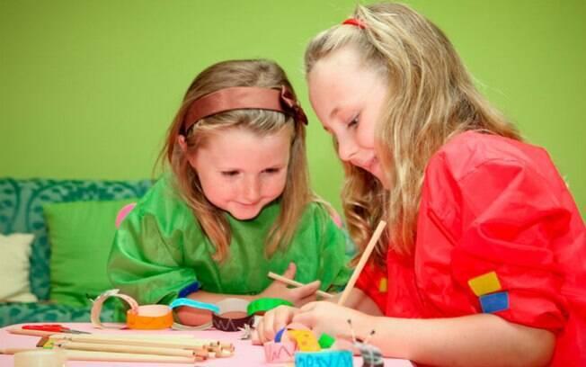Com materiais simples e baratos, as crianças podem fazer uma infinidade de presentes diferentes para o Dia dos Avós