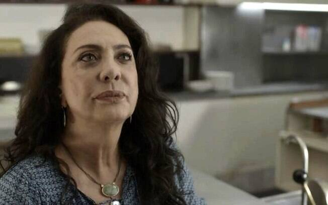 Rania (Eliane Giardini)