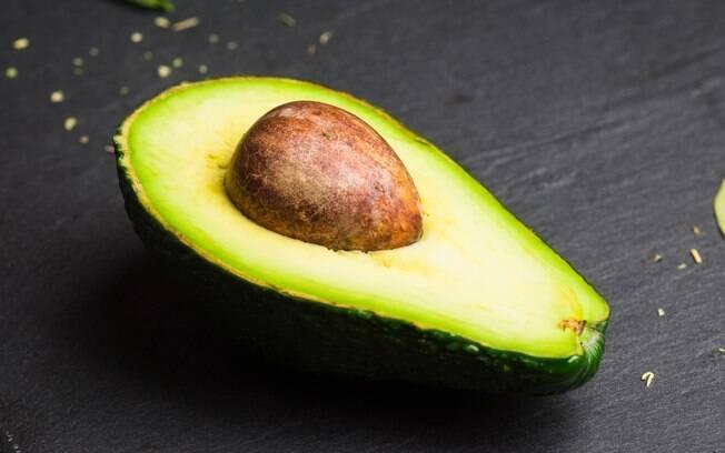 Programa pede a combinação de carboidratos com alimentos ricos em proteínas e gorduras não saturadas, como abacate