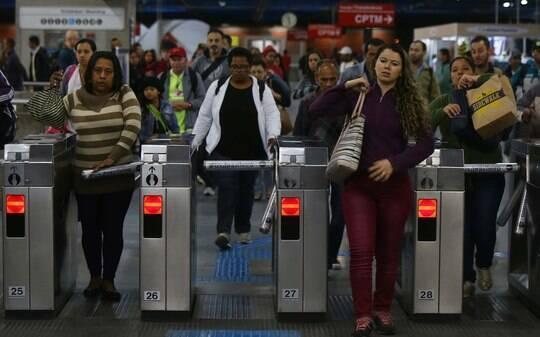 Metrô funciona normalmente na abertura da Copa em São Paulo - São Paulo - iG