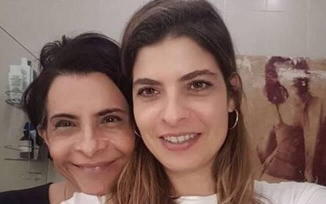 Cantora Marina Lima ganha homenagem de aniversário da namorada