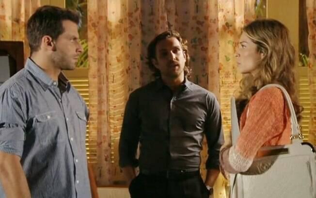 Alberto surpreende Ester e Cassiano