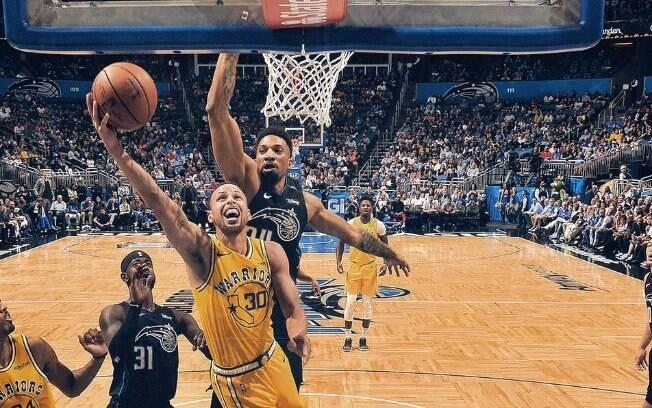Abrindo a rodada da NBA desta quinta, os Warriors não conseguiram superar o forte quinteto titular de Orlando