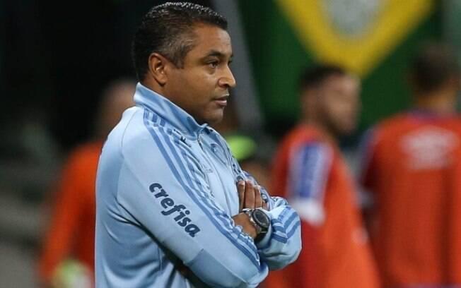 Roger Machado venceu o clássico e ganhou sobrevida no comando do Palmeiras