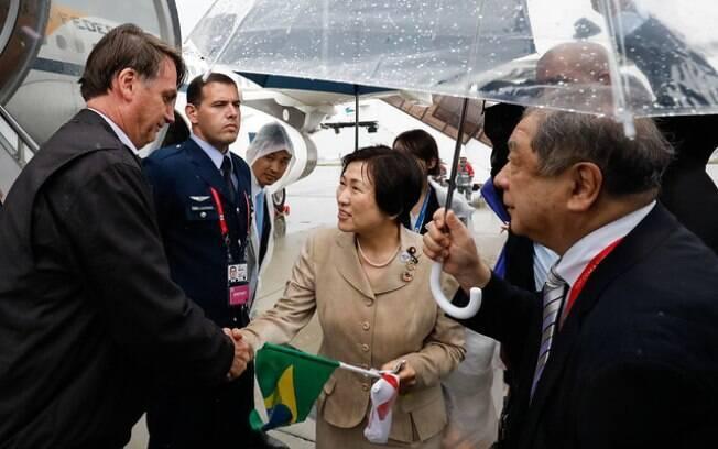 Presidente da República, Jair Bolsonaro, durante chegada ao Japão, para participar da Cúpula do G-20