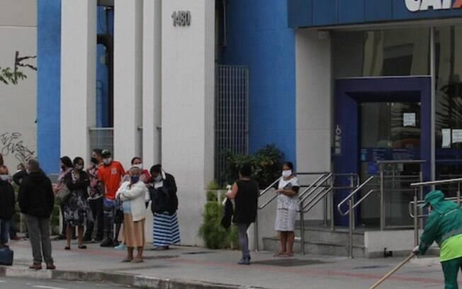 Caixa abre hoje 3 agências em Campinas para pagar auxílio emergencial