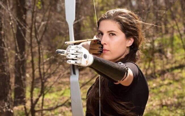 Angel Giuffria é atriz e não tem um dos braços. Ela ganhou fama após participar da superprodução