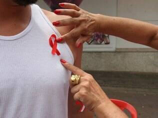 Universal é condenada por estimular fiel a largar camisinha e tratamento de Aids