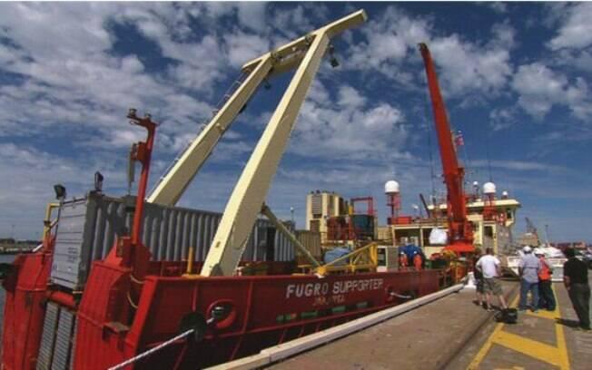 Um dos quatro navios utilizados na busca pelos destroços: prejuízo de mais de US$ 40 milhões