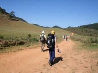 Caminho da Luz tem 200 quilômetros e percorre montanhas de Minas Gerais