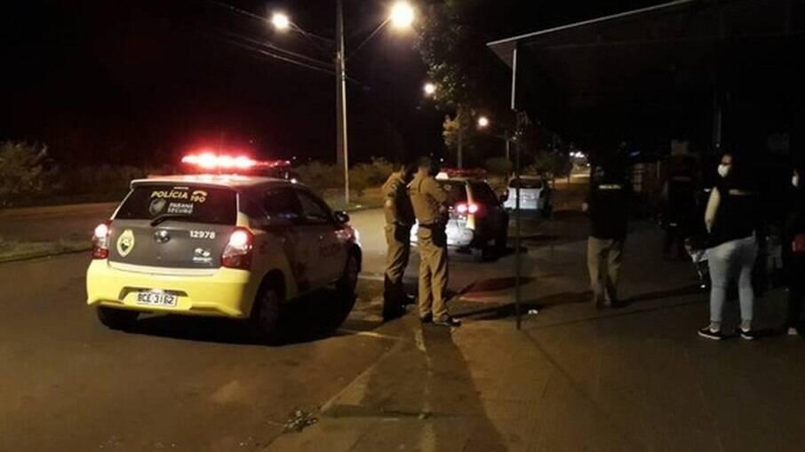Agentes da prefeitura de Campo Mourão encerram festa durante pandemia
