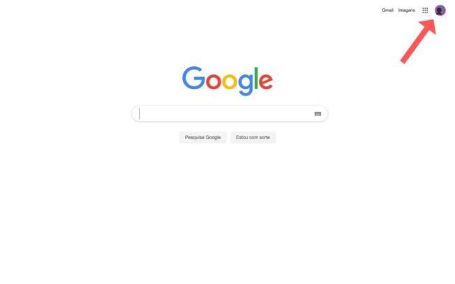 O primeiro passo é clicar no ícone do seu perfil, que fica no canto superior direito das aplicações do Google