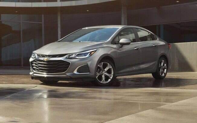 Chevrolet Cruze: frente com estilo mais esportivo inclui aberturas de ar maiores e para-choque redesenhado
