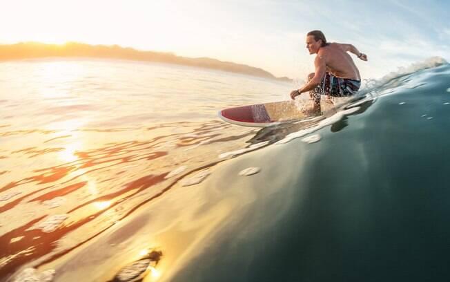 O que fazer na Costa Rica: o surfe é uma atividade que permitirá a você mesclar aventura com um tempo na natureza