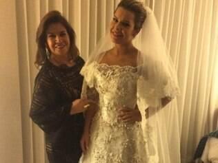 Foto de Fernanda vestida de noiva é publicada na internet por estilista