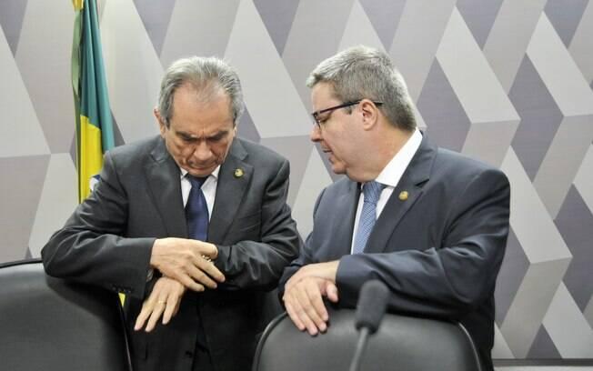 Os senadores Raimundo Lira (PMDB-PB) e Antonio Anastasia (PSBD-MG), presidente e relator da Comissão Especial de Impeachment, respectivamente. Foto: Geraldo Magela/Agência Senado