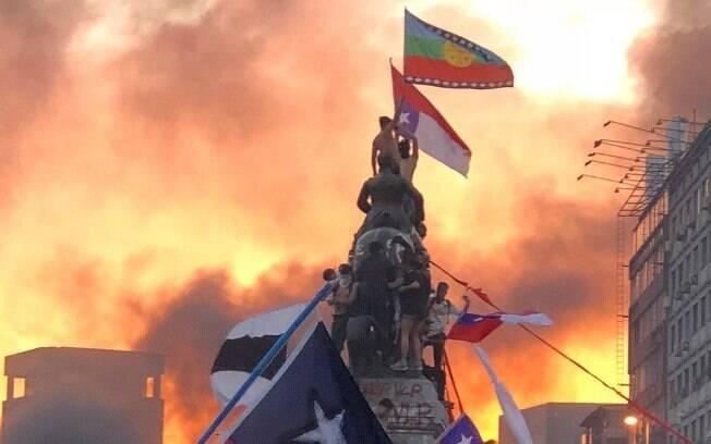 A manifestação de 25 de outubro de 2019 reuniu mais de 1,2 milhão de pessoas em Santiago, a capital do país.