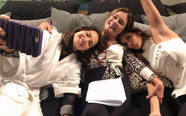 Que trio! Deborah Secco teve ótimos momentos em cena com Adriana Esteves e Letícia Colin