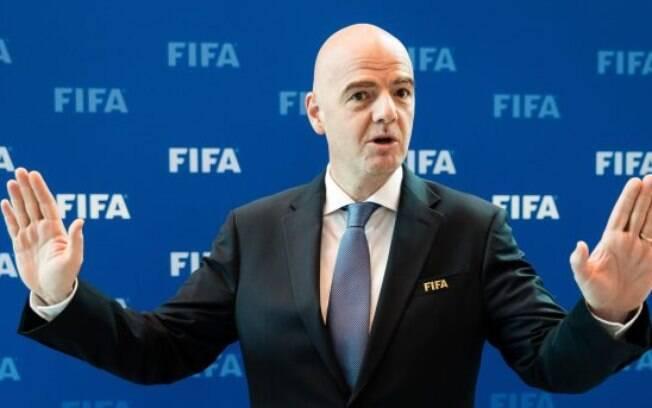 Gianni Infantino, presidente da Fifa, pediu mais rigor contra casos de racismo no futebol
