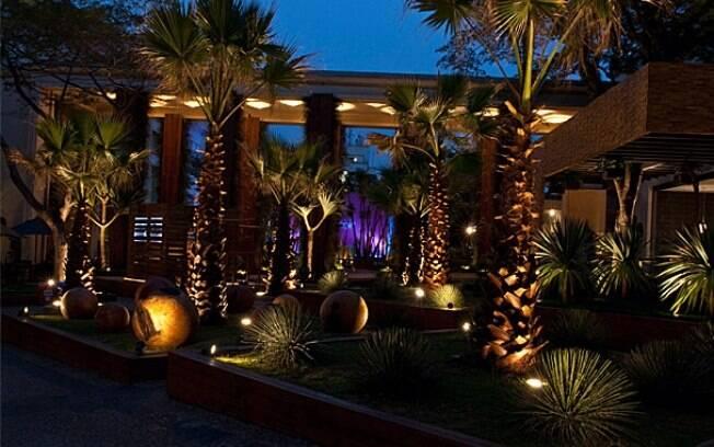 iluminacao jardim verde: destaques de Faisal para conseguir um belo jardim. Foto: Divulgação