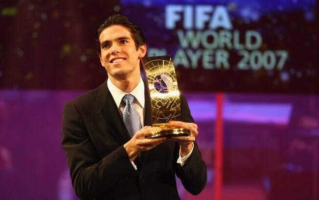 Kaká foi escolhido o melhor de 2007 e também  não decepcionou no visual