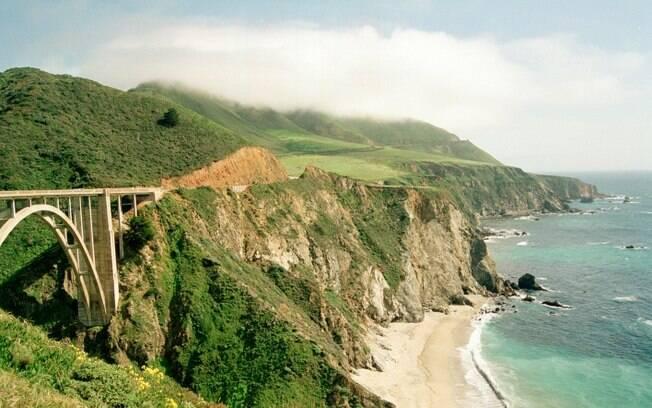 Pacific Coast Highway: vista para o litoral da Califórnia, em mais de mil quilômetros e 33 pontes