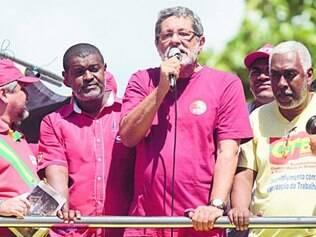 Ex-presidente da Petrobras Sérgio Gabrielli participa em Salvador