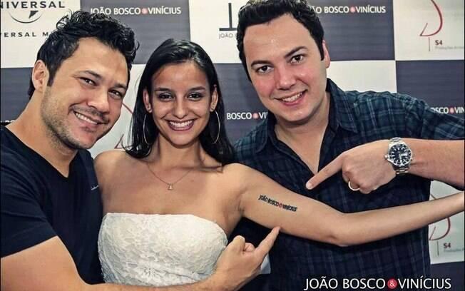 Anna Paula fez tatuagem para homenagear a dupla sertaneja João Bosco & Vinícius