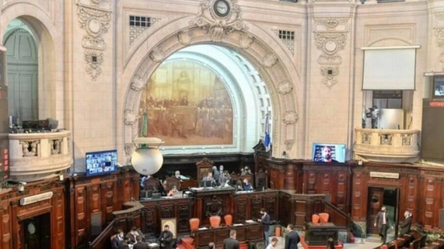 Alerj aprovou, por unanimidade na primeira discussão, PEC que pode criar auxílio emergencial local