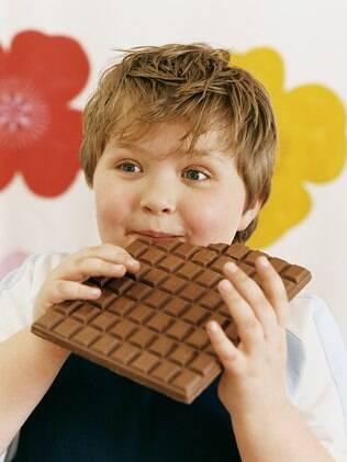 O exemplo de uma alimentação saudável e balanceada deve partir dos pais