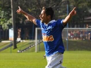 Time júnior do Cruzeiro, que defende o título de campeão, goleou em seu primeiro compromisso pelo Campeonato Mineiro da categoria