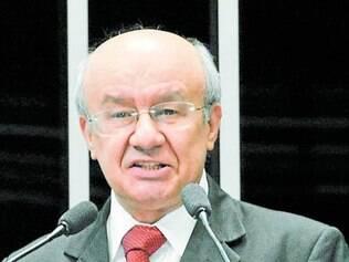 José Pimentel é o relator da CPI e recebeu R$ 1 milhão de empresa