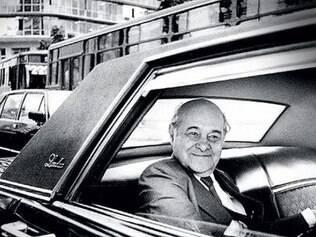 Tancredo de Almeida Neves (São João del-Rei, 4 de março de 1910 — São Paulo, 21 de abril de 1985)