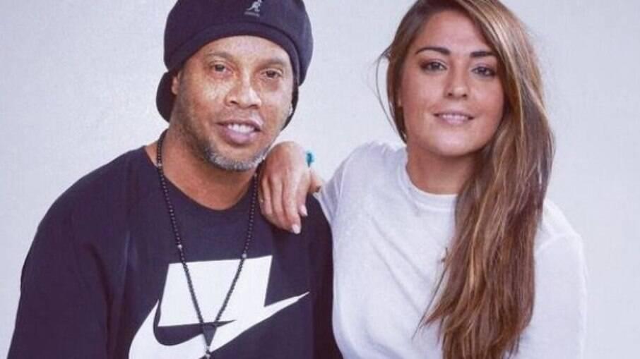 Ronaldinho e Lorena González já se encontram algumas vezes
